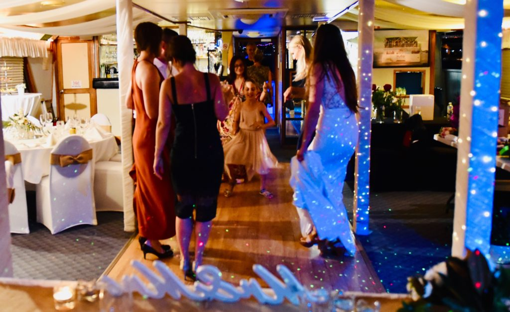 gold coast cruises pop up wedding music