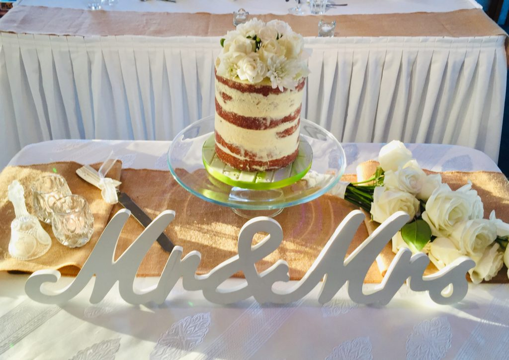 pop-up wedding package naked wedding cake