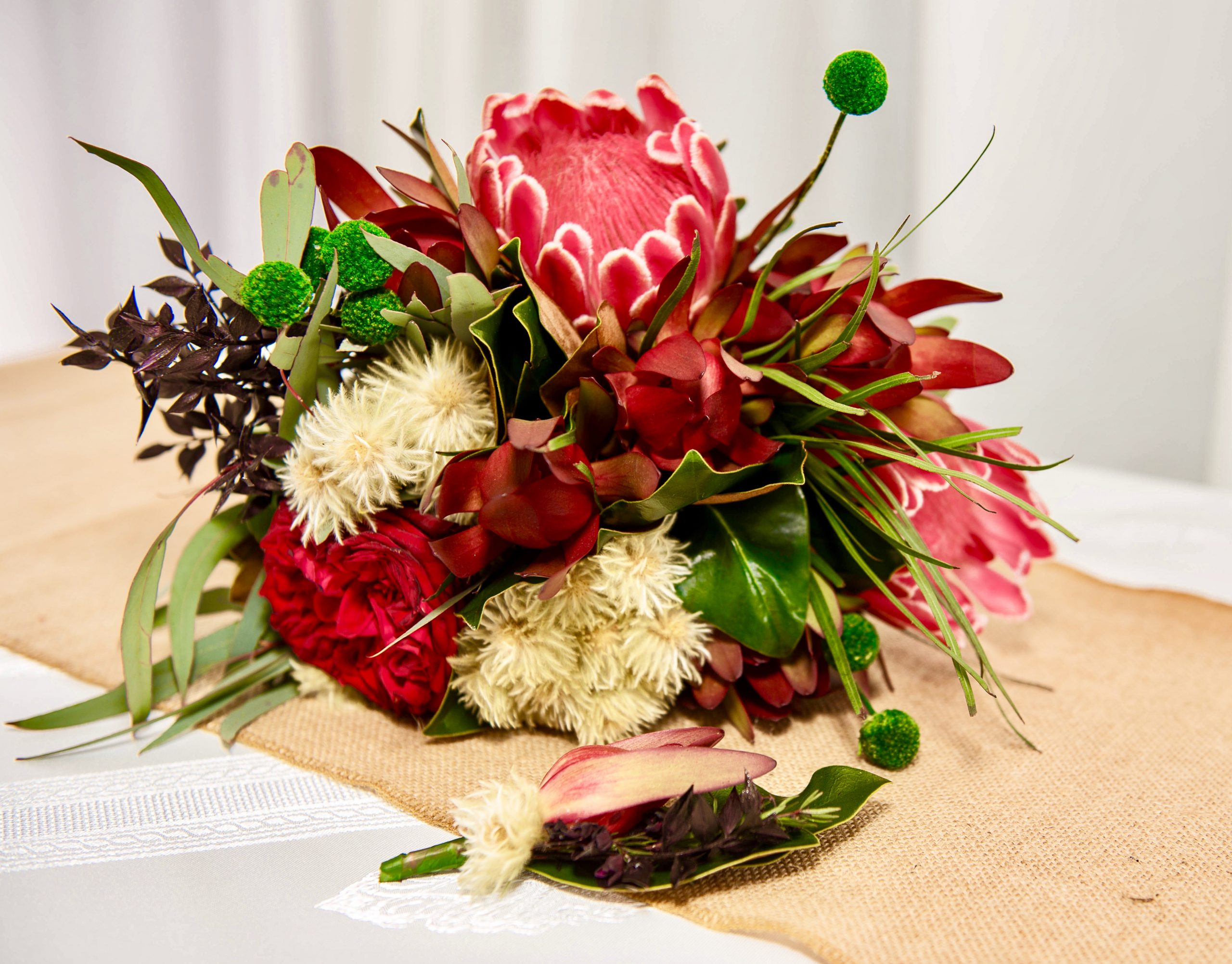 Gold Coast Cruises pop-up wedding package bridal bouquet and groom buttonhole